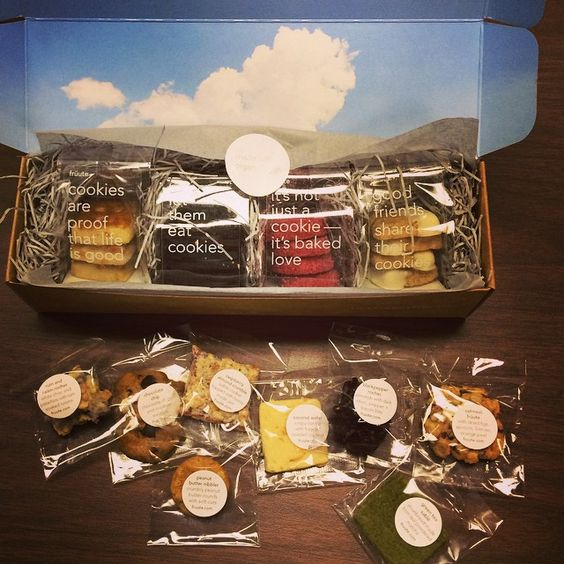 Plastic packages of cookies should state information regarding the ingredients of the product